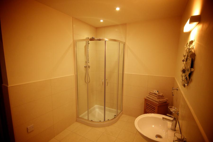 Self Catering Lodges Bathroom