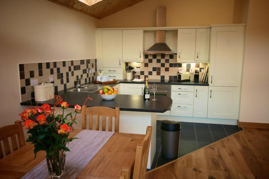 Self Catering Kitchen Apple Tree / Plum Tree